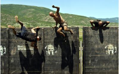 Traversez les murs qui se dressent devant vous!